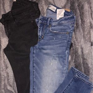 2 pairs Abercrombie & Finch skinny jeans